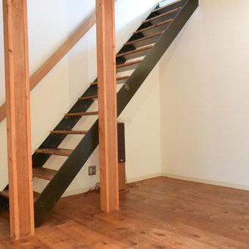 階段をのぼった先には…