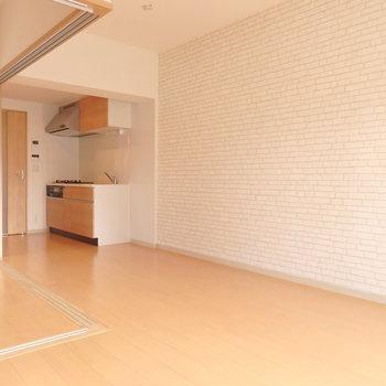 置く家具によって雰囲気がガラッと変わりそう。 (※写真は5階同間取り別部屋のものです)