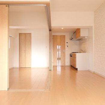 床はクッションフロアです。 (※写真は5階同間取り別部屋のものです)