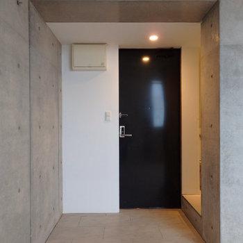 玄関はなく、お部屋とそのまま一続きになっています