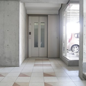 エレベーターがついてるので楽々です〜