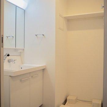 洗濯機は脱衣所に※写真は5階の同間取り別部屋のものです