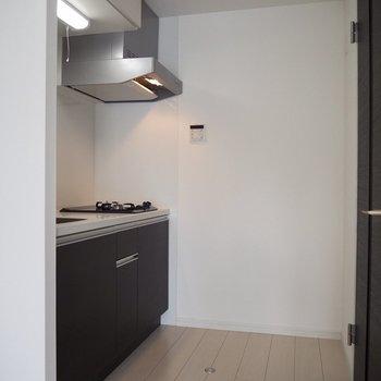 お部屋の雰囲気を壊さないキッチン※写真は5階の同間取り別部屋のものです