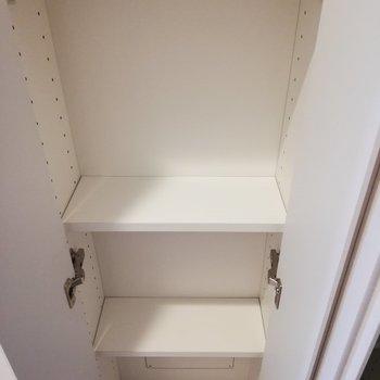 少し狭めなものが。洗剤などに日用品のストックにもいいですね※写真は6階の同間取り別部屋のものです