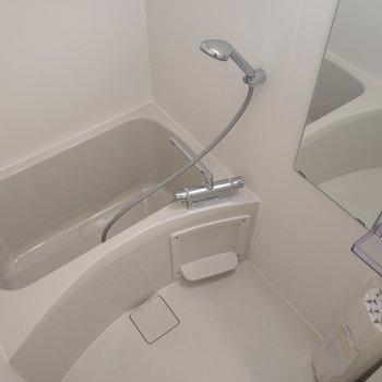 お風呂はゆったりと。浴室乾燥機付きです。