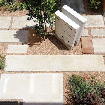 真下には中庭!ここも良くデザインされてます。