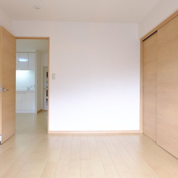 6帖の洋室 (※写真は2階同間取り別部屋のものです)