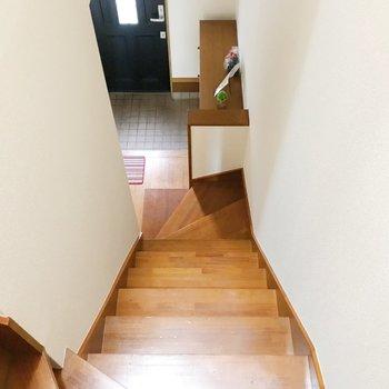 階段をのぼっていきましょう。