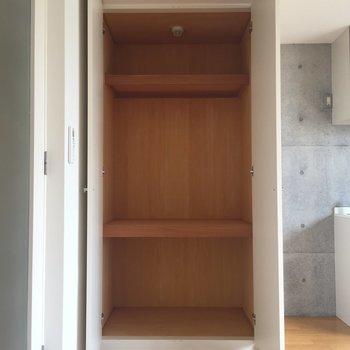 収納もたっぷり※写真は2階の同間取り別部屋のものです