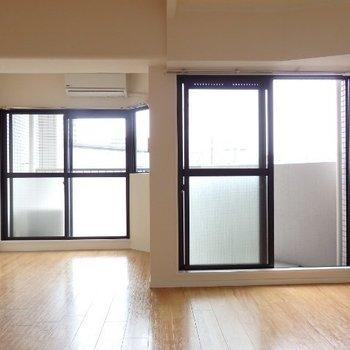 南向きの窓(※写真は4階の同間取り別部屋のものです)