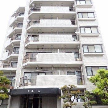 7階建てマンション