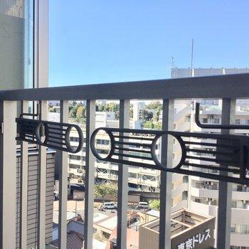でもしっかり物干し竿はかけられますよ※写真は10階の同間取り別部屋のものです