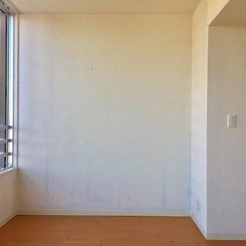 ここは寝室としてくつろぎましょう♪※写真は10階の同間取り別部屋のものです