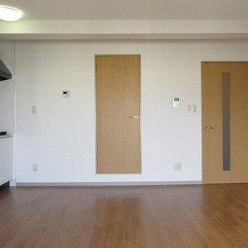 広々ワンルーム!※写真は11階反転間取り別部屋のものです