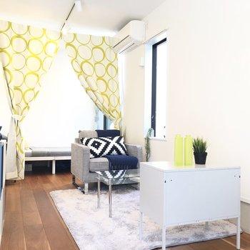 背の低い家具が、お部屋をより広く見せるコツですね◎
