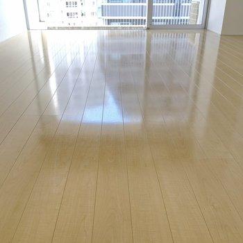 床がつやつやできれいなのです。