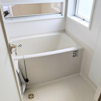 お風呂からぼ~っとバルコニー外の景色を眺めるのも乙だねぇ。もちろん湯はり機能も◎
