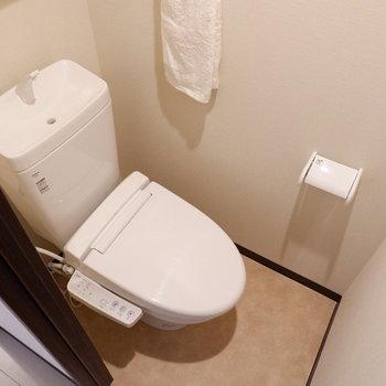 トイレは完全に独立です。※写真は2階同間取り別部屋のものです