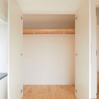 【完成イメージ】リビングの押し入れは開き戸のクローゼットへ