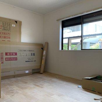 工事中】寝室にも無垢床がどんどん敷かれています!