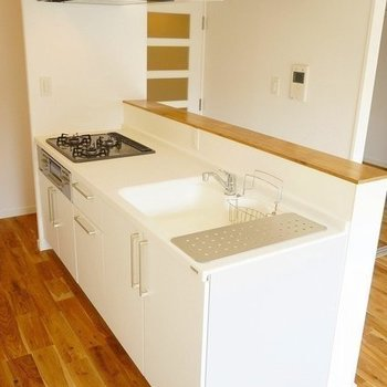 【完成イメージ】3口ガスコンロでキッチン幅もあって、お料理はかどりそうです!