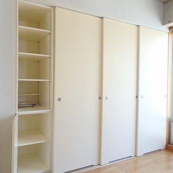 この右側にキッチン隠れているんです。スゴイ。※写真は6階の同間取り別部屋のものです
