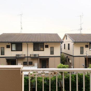 眺望は同じお家がトントンと並んで見えます※写真は似た間取りの別部屋のものです