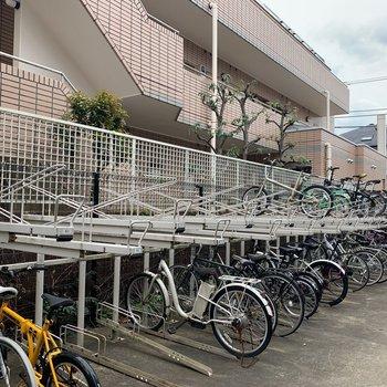 自転車も置けますよ〜