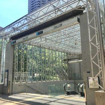 六本木一丁目駅ってデザイン性高め。