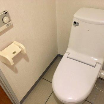 トイレはウォシュレットです。うれしい。