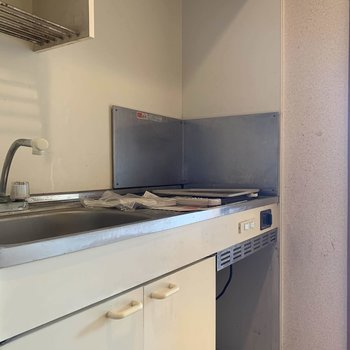 【工事前】キッチンは交換しますよ〜!