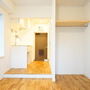 【イメージ】キッチンと居室をつなげて開放感のある1Rのお部屋です。
