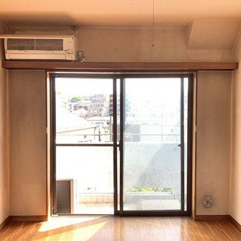 【工事前】日当たりの良いお部屋です。ごろんと横になったら気持ちいいだろうな〜