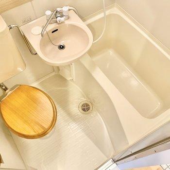 トイレの便座が木製でお洒落!