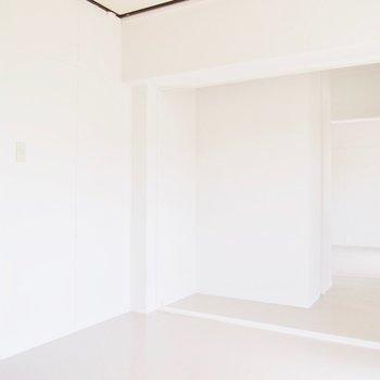 DIYでシンプルなお部屋を自分色に◎