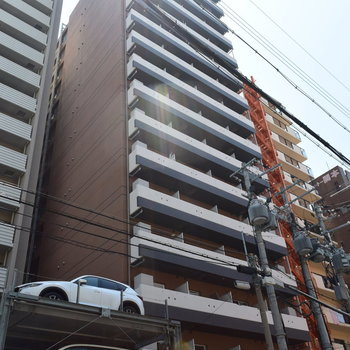 大通りから1本入ったところのマンション (※誇示中の写真です)