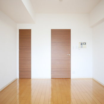 広さは9.2帖※写真は8階の同間取り別部屋のものです