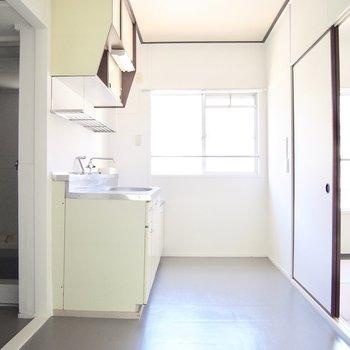 ここは元キッチンだった空間。収納がたっぷりです◎