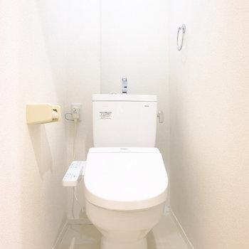 トイレも新設!※写真は3階の似た間取り別部屋のものです