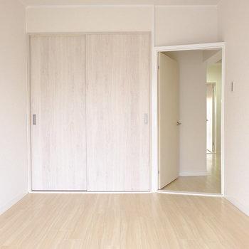 ドアが外開きなのでデッドスペースなし!※写真は3階の似た間取り別部屋のものです