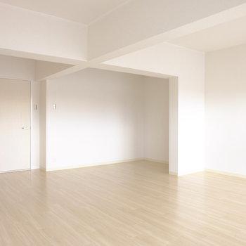 奥の凹みも有効活用※写真は3階の似た間取り別部屋のものです