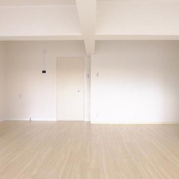 昔の面影のある梁※写真は3階の似た間取り別部屋のものです