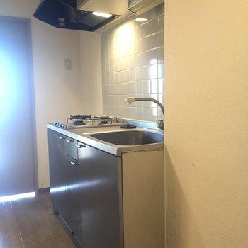 冷蔵庫置き場もしっかりありますよ。※写真は11階の同間取り別部屋、クリーニング前のものです