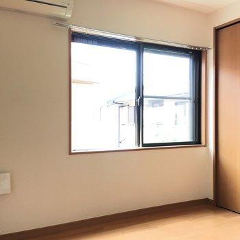 【洋室5.0帖】窓・収納付きのお部屋。