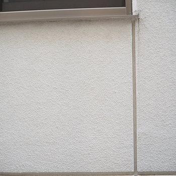 隣のおうちが立ちはだかります※写真は2階のものです