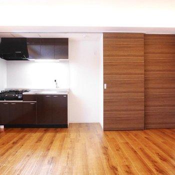 なんと!キッチンが!生活感を徹底的に排除するスタイル※写真は同間取り別部屋です
