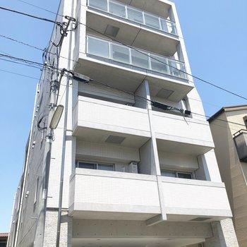5F建、RC造のマンションです。
