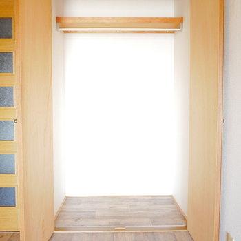 収納はこのくらい※写真は6階の同間取り別部屋のものです
