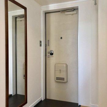 玄関にある鏡ってポイント高いな〜!