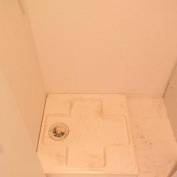 洗濯機は扉がついていて、隠せるのがうれしい